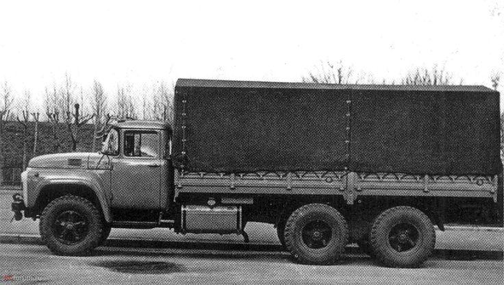 17 ЗиЛ-133 с 220-сильным двигателем и металлическим кузовом с тентом