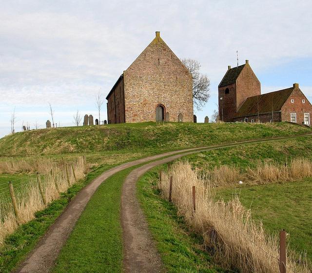 De Kerk van Ezinge is een romaanse zaalkerk, die gebouwd werd op een wierde in de 13e eeuw in Ezinge in de provincie Groningen. Ook de vrijstaande toren dateert uit deze periode.