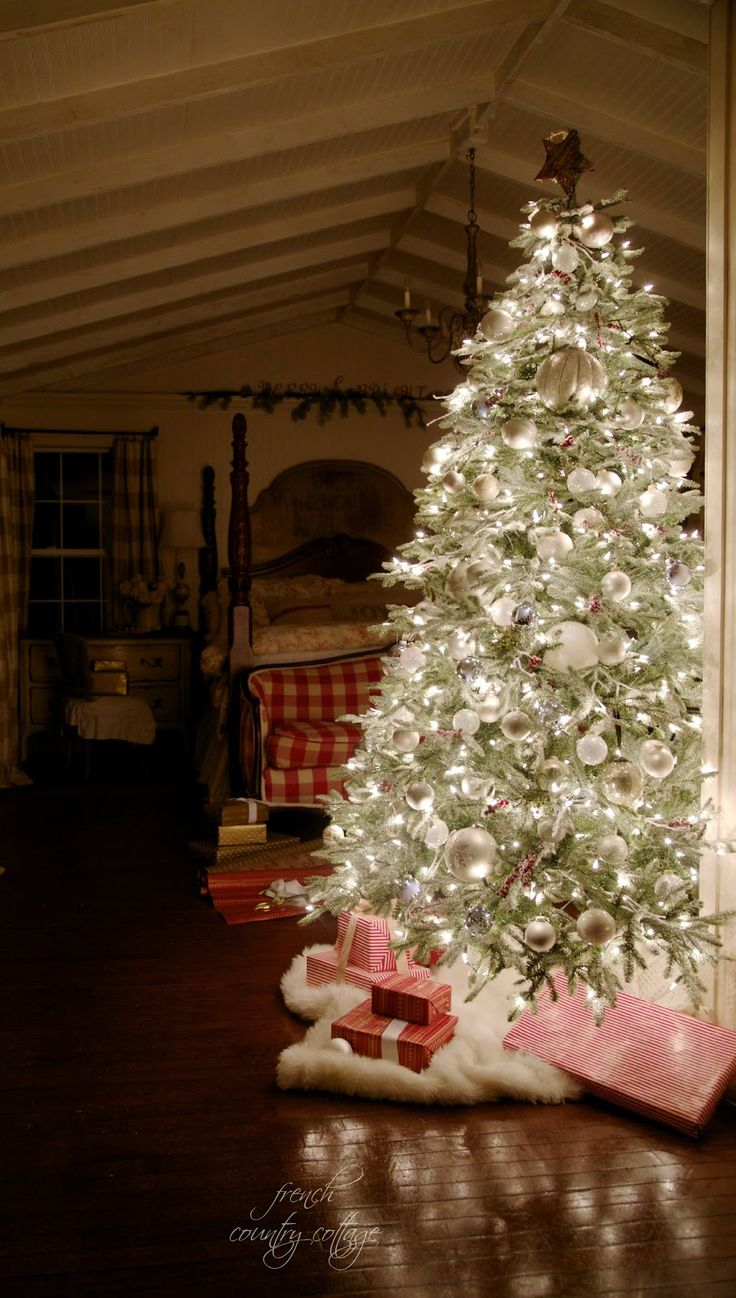 French country christmas decorations - Find This Pin And More On Courtney French Country Cottage