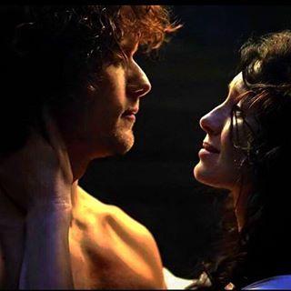 ❤️ Sweet Jamie and Clair Fraser  #outlander #samheughan #caitrionabalfe #jamiefraser #clairefraser
