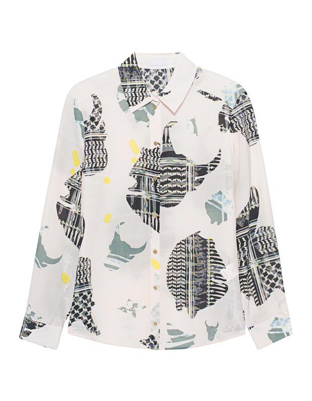 Gemusterte Seidenbluse Gerade geschnittene cremefarbene Bluse aus purer Seide mit schmalem Kragen, durchgängiger Knopfleiste und individuellem Allover-Print.  Sexy Sophistication und Coolness!
