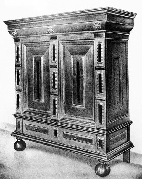 Kast, Amsterdam, ca. 1660. Oak, palisander, and ebony.