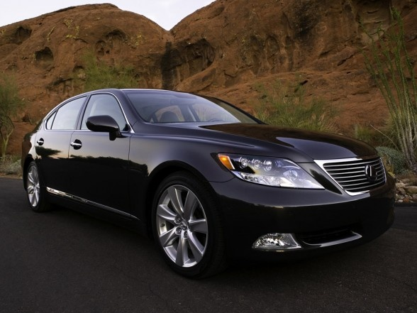 Lexus LS600h - The best car to subtly show you have made it in life.