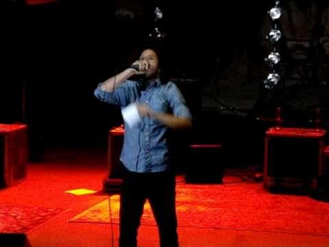 Zack de la Rocha Gives Speech at Rodrigo y Gabriela Show at Red Rocks – …