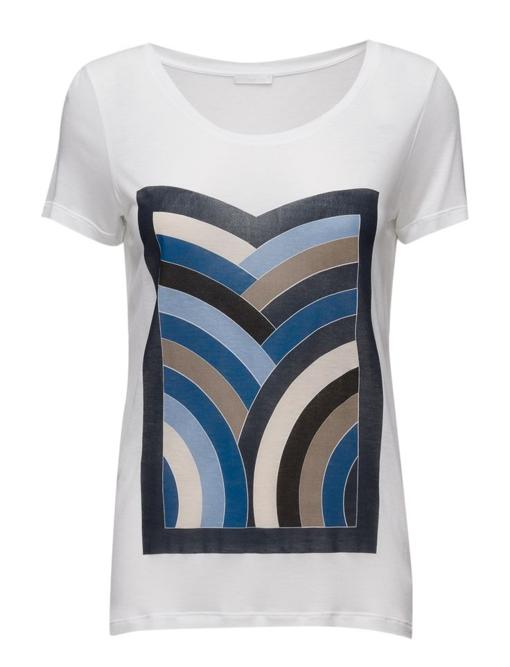 DAY - 2ND Rainbow Printed design on front Relaxed fit Scoop neckline Short sleeves Cool Classic Simple T-Shirt