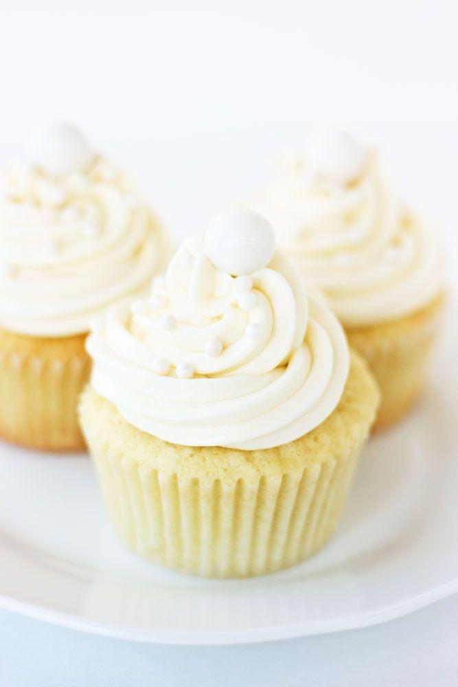 A-coconut-cupcake-web
