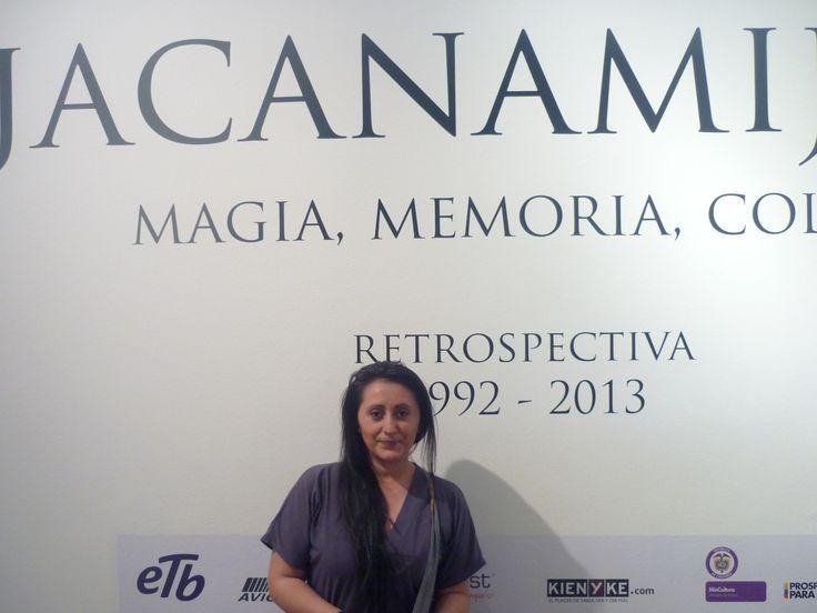 Empezamos el recorrido por la exposición de Jacanimijoy.......