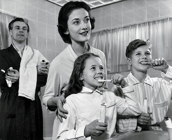 Эволюция зубной щетки   Публикации   Вокруг Света