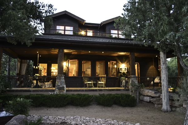 Cabin smiles and lit http://countrydesignstyle.com #cabin #cabinlights