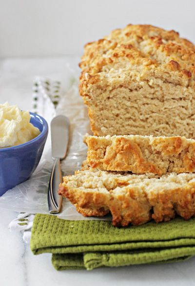 Buttery honey beer bread with honey butter~T~ Yum. Love this bread.