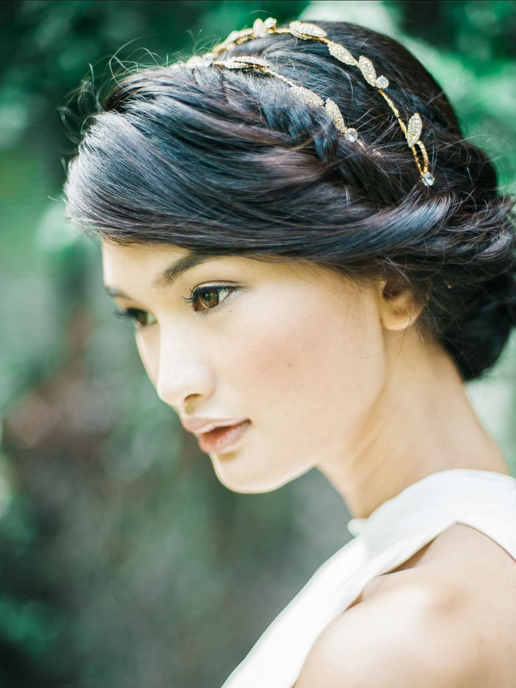 Stunning yet lovely wedding hair and make up ideas | This is incredible! Unique work by  Brody Tan Photography http://www.bridestory.com.sg/brody-tan-photography/projects/emily-hill-pre-wedding