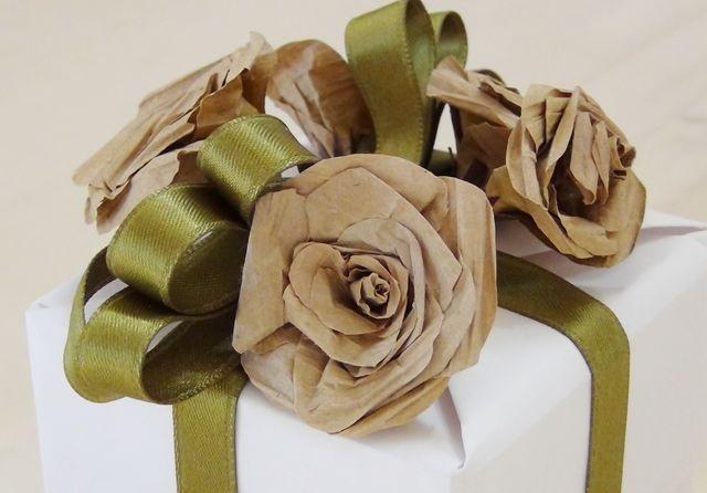 Упаковка подарка из бумажных пакетов | Блог о праздниках