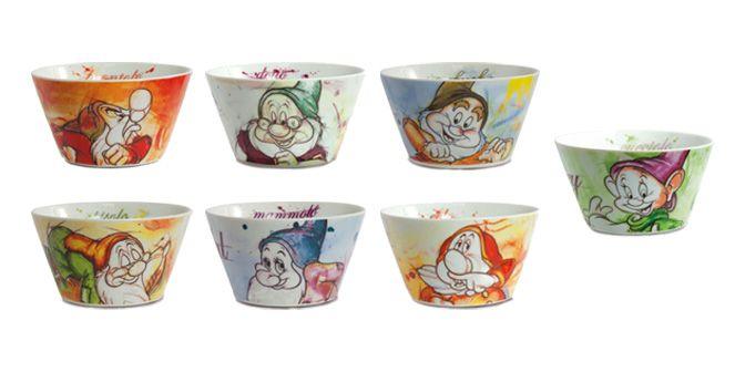 """CIOTOLA """"I 7 Nani"""" - Disney - EGAN s.r.l.  Ciotole in ceramica.  Disponibili nei soggetti: CUCCIOLO, DOTTO, EOLO, GONGOLO, MAMMOLO, PISOLO e BRONTOLO.  Diametro: 14cm"""