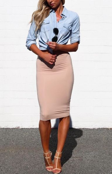 awesome Street style | Knocked chambray shirt and blush pencil skirt (Just a Pretty Style)
