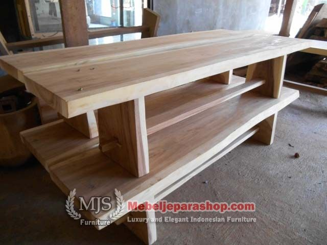 Bangku atau bench kayu solid trembesi, model alami kami tawarkan kepada anda dengan model yang sangat laris saat ini