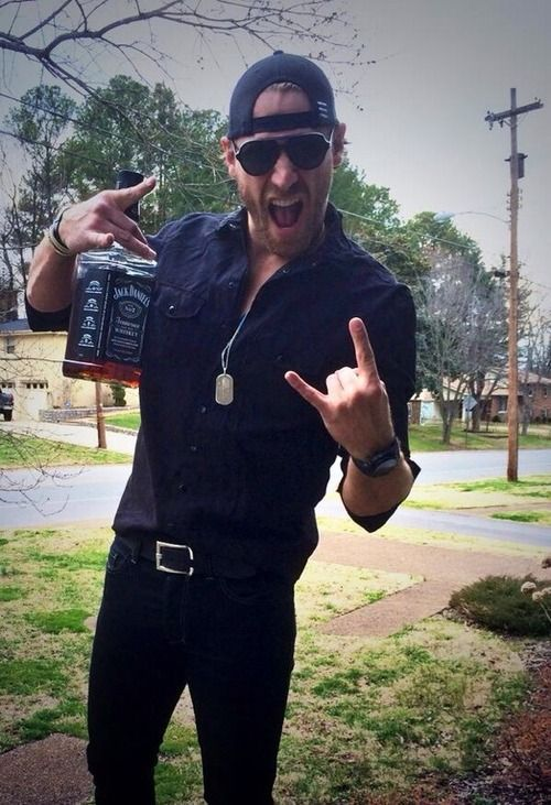 Chase Rice everybody...
