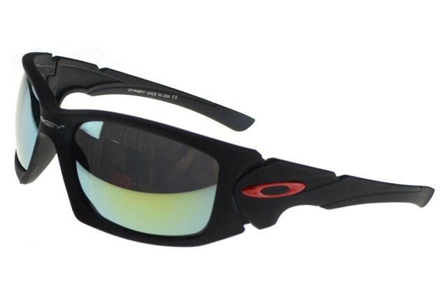 1cd664c85c0b5c Green Frame Oakley Sunglasses   United Nations System Chief ...