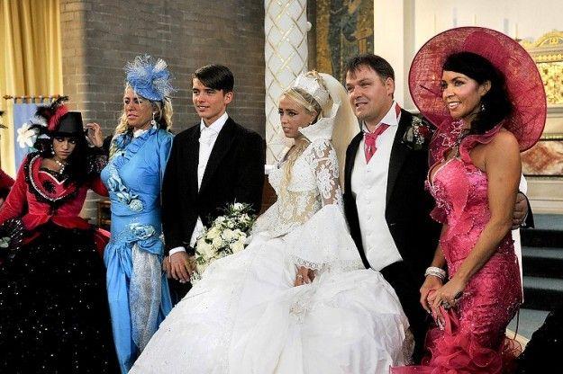 Foto di gruppo ad un matrimonio gipsy
