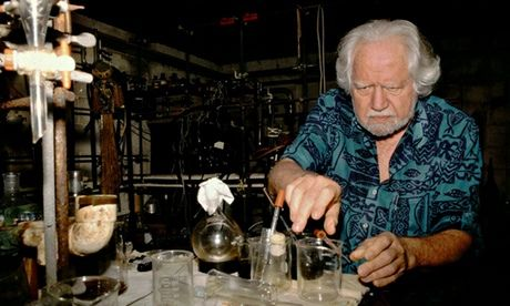 How+did+Alexander+Shulgin+become+known+as+the+Godfather+of+Ecstasy?