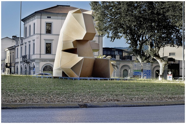 Bear by Rodrigo Solorzano
