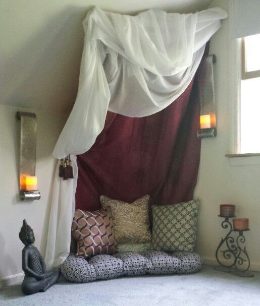 I cannot WAIT to have a meditation corner in our new place. The bedroom if we can swing it, failing that the living room - if it's in a living room corner, I think I would drape the curtain a bit lower so that it sort of cordons the area off.