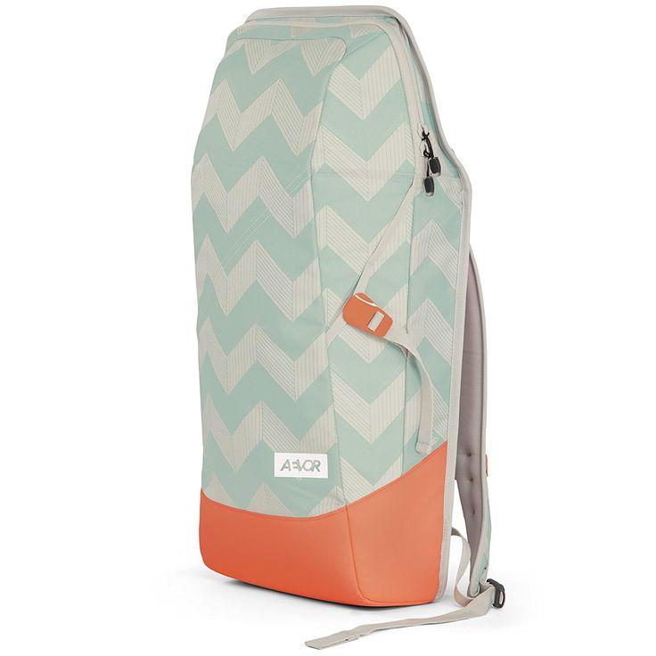 AEVOR Daypack Rucksack für die Uni und Freizeit inklusive Laptopfach und erweiterbar auf 28 Liter Flicker Mint Coral - grün, mint,korall: Amazon.de: Koffer, Rucksäcke & Taschen