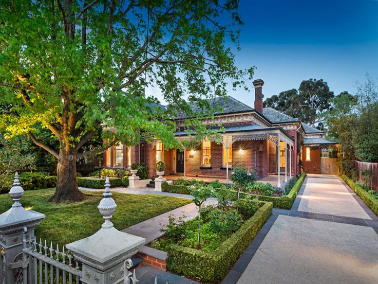 33 Hawthorn Grove, Hawthorn Love everything about this, home, gardens, fence and driveway