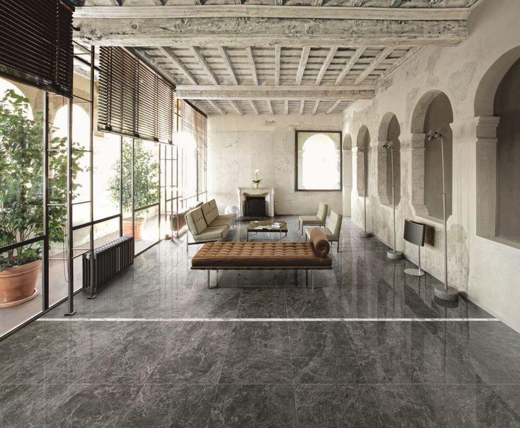 Grijs marmer 60x120 met zijdeglans op de vloer en Statuario marmer 60x120 met zijdeglans op de wand (07), Tegelhuys
