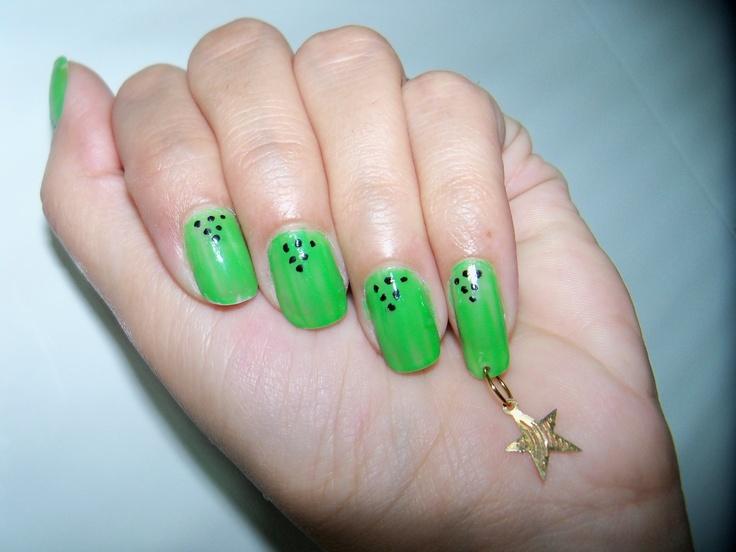 Nail art & nail piercing