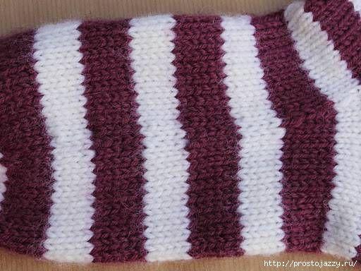 Технология вязания/Как избежать ступенчатого перехода цвета в круговом вязании спицами