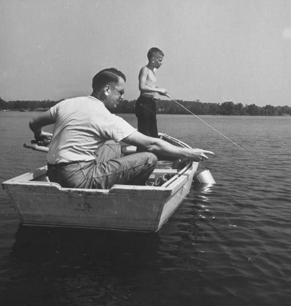 1 of 11 Great Great Father & Son Bonding Activities  http://content.artofmanliness.com/uploads/2009/06/fishing.jpg