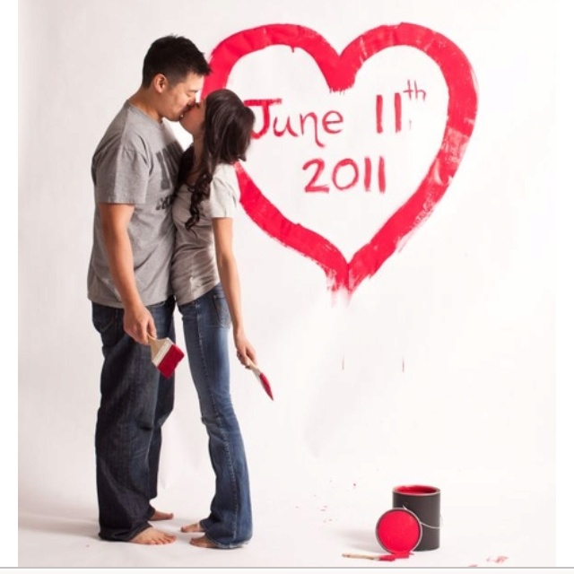 Creative and cute photo idea could also be for a baby due date #baby-photo-ideas #engagement-photo-ideas