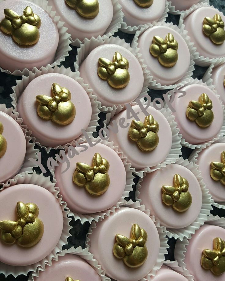Minnie Mouse Chocolate Covered Oreos