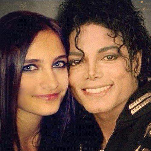 Le mannequin américain et fille de Michael Jackson a déclaré se considérer comme noire. Elle s?est aussi exprimée sur les conditions de la mort de son pè