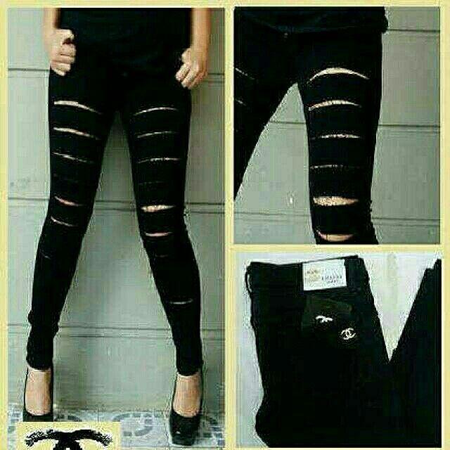 Saya menjual Celana ripped jeans hitam big size jumbo size seharga Rp165.000. Dapatkan produk ini hanya di Shopee! https://shopee.co.id/raremarket/466697096/ #ShopeeID