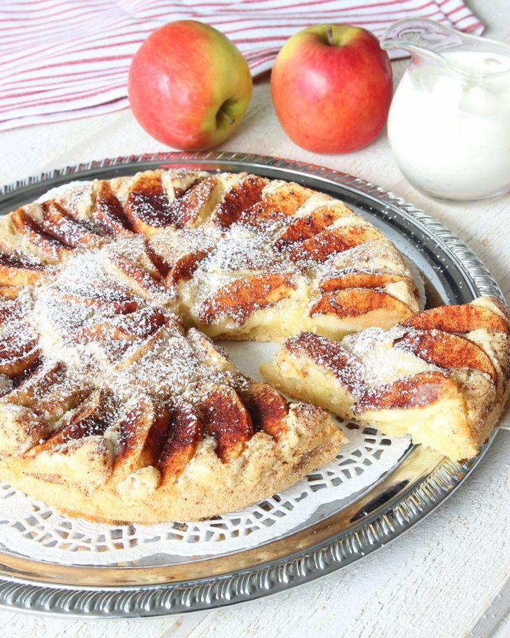 Enkel äppelkaka med segmjuka kanter – Lindas Bakskola