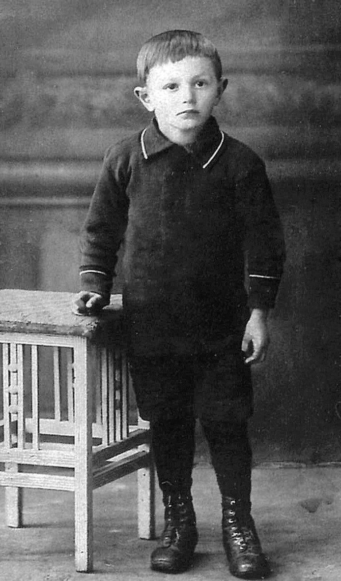 Rochus Misch, Adolf Hitler's bodyguard