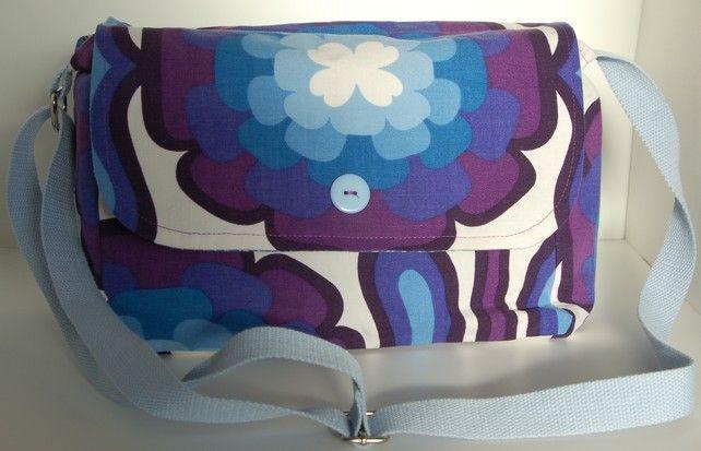 Retro Handbag £25.00