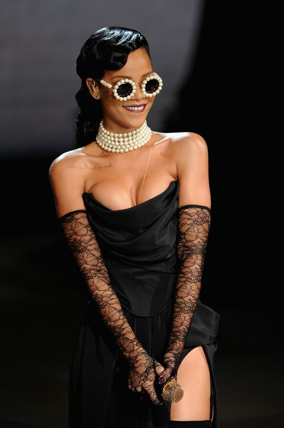 Rihanna's Chanel sunnies that she wore to the Victoria Secret fashion show. Ah-maze!