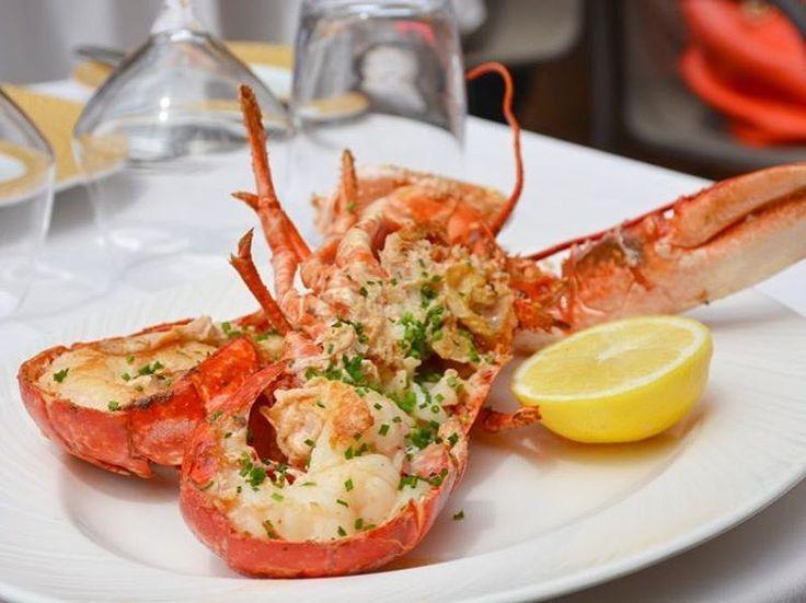 Le homard est de sortie, qu'attendez-vous ? #lamaree #restaurantparis #alacarte #homard #food