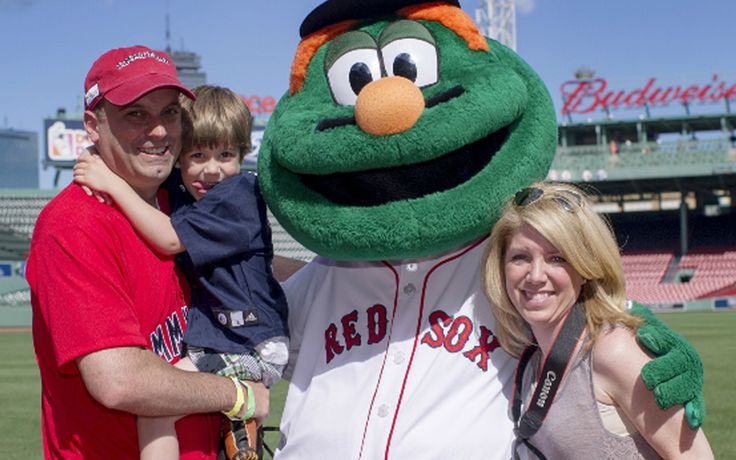 In honor of Father's Day, give dad a gift that gives back—a package to bat or field at John Hancock Fenway Fantasy Day on June 27! Proceeds support Dana-Farber Cancer Institute and the Jimmy Fund's mission to end cancer.  #FenwayFantasyDay