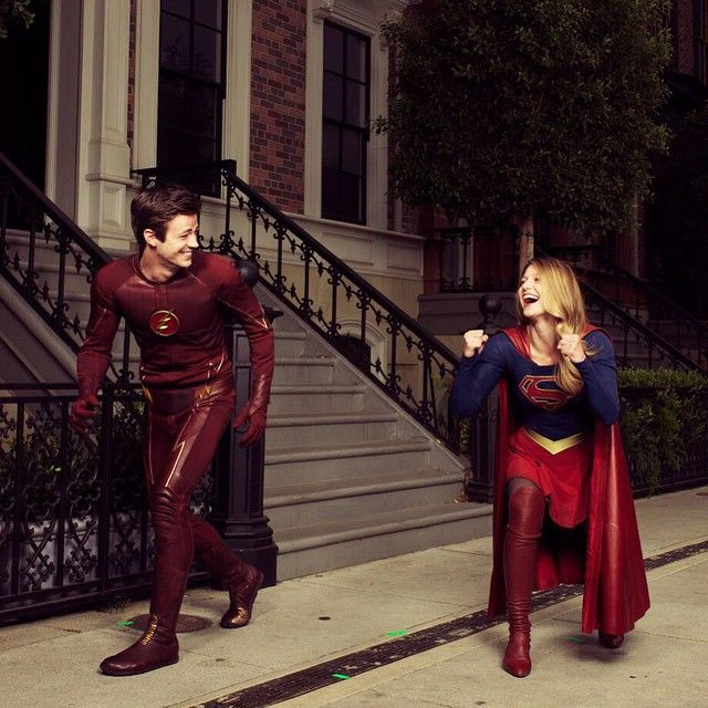 This outtake is the best. Just some superheroes doing superhero things. @melissabenoist @gberlanti #TheFlash #Supergirl