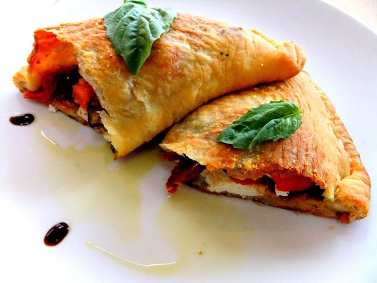 Calzones: Vegetables Calzon, Italian Food, Italian Recipe, Italian Pizza Calzon, Roasted Vegetables, Calzon Pizzaparti, Veggies Calzon, Veggie Calzone, Balsamic Glaze