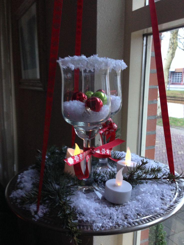 Een hangende kerstschaal