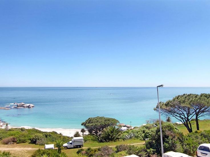 Clifton Sky  - Clifton Sky is a lovely, comfortable 4 bedroom house, with a stunning deck and garden area with stunning sea views. Clifton is a sought-after, up-market area known for its sheltered beach attracting a ... #weekendgetaways #clifton #southafrica