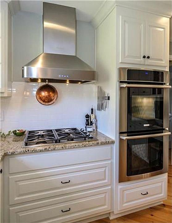 Double oven + stove hood! #WallOvens