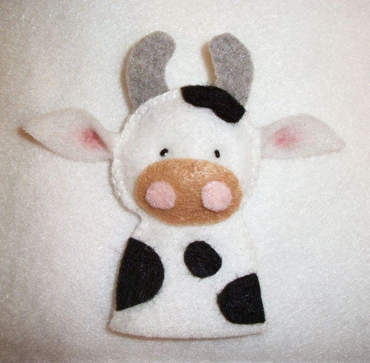 Felt Cow Finger Puppet. Finger Puppet pattern from Floral Blossom.