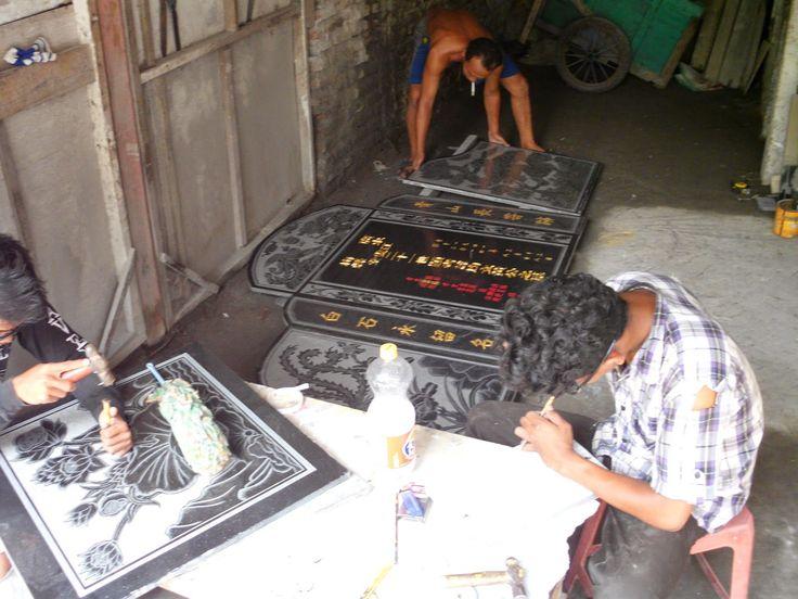 http://bongpaysurabaya.blogspot.com/, dengan didukung tenaga berpengalaman puluhan tahu di bidang ini kami memberikan kualitas terbaik dalam pembuatan prasasti, papan nama, bongpay, nisan makam, kijingan, profil, pingul dan lain sebagianya, khususnya yang berbahan marmer dan granit. Untuk Informasi Lengkap silahkan langsung menghubungi Kontak kami : 085102315430 081357603030 081515441030