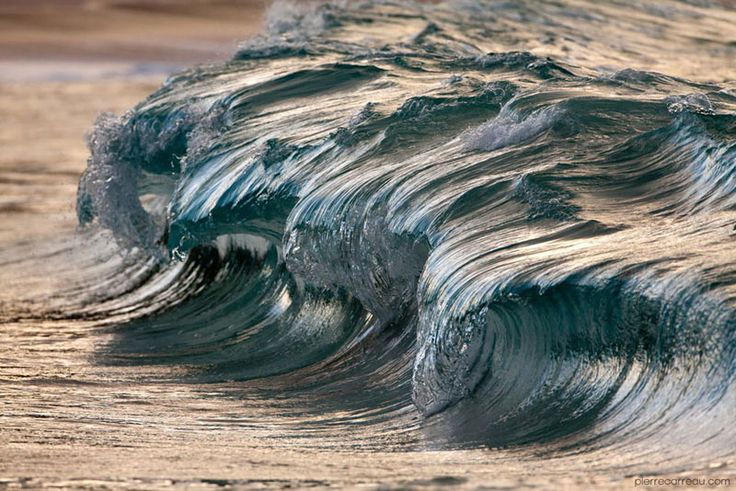 close-ups-of-tiny-waves-make-them-look-like-mini-tsunamis-by-pierre-carreau-2
