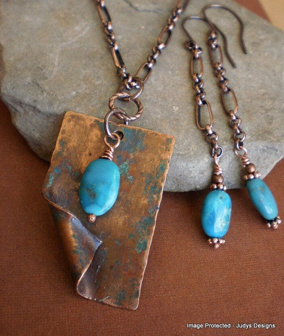 Hammered turquoise necklace and earring set by JudysDesigns, $55.00